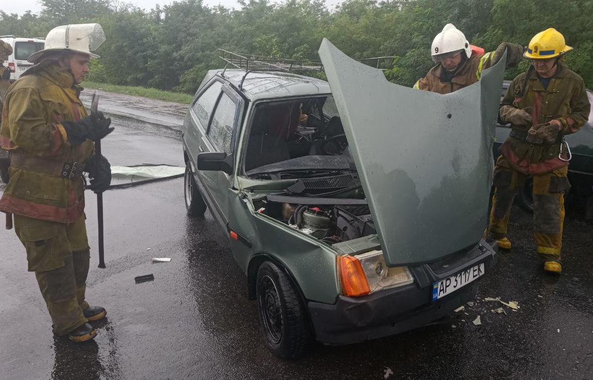 В Запорожской области мужчина стал пленником собственного авто (Фото)