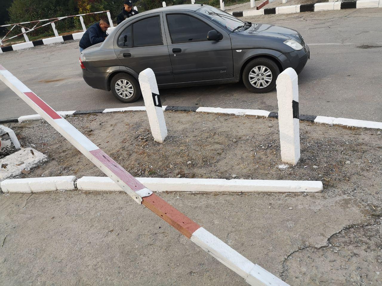 В Запорожье произошло ДТП на железнодорожном переезде (Фото)