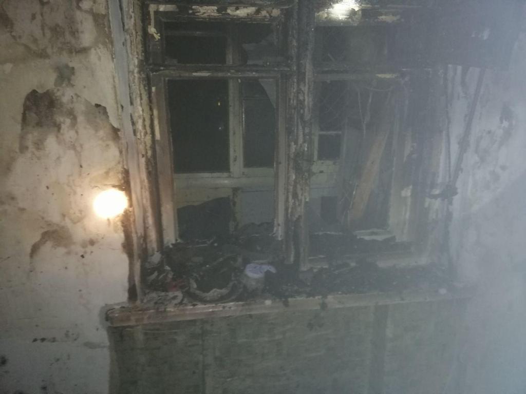 В спальном районе Запорожья произошел пожар. Есть погибшие (Фото)