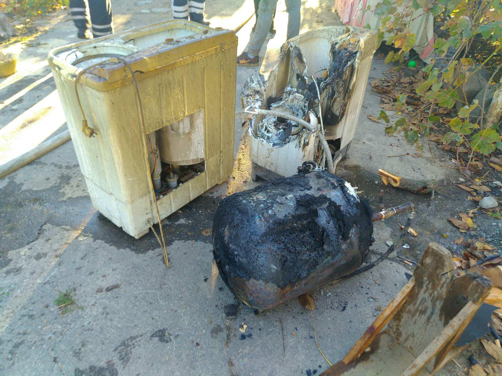 В Запорожской области горел дом, есть пострадавшие (Фото)