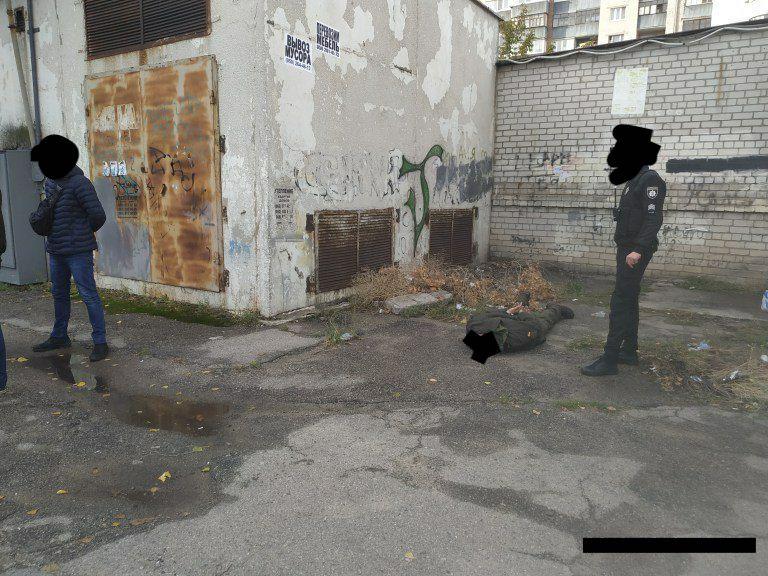 В Запорожье пьяный военнослужащий пытался изнасиловать женщину (Фото)
