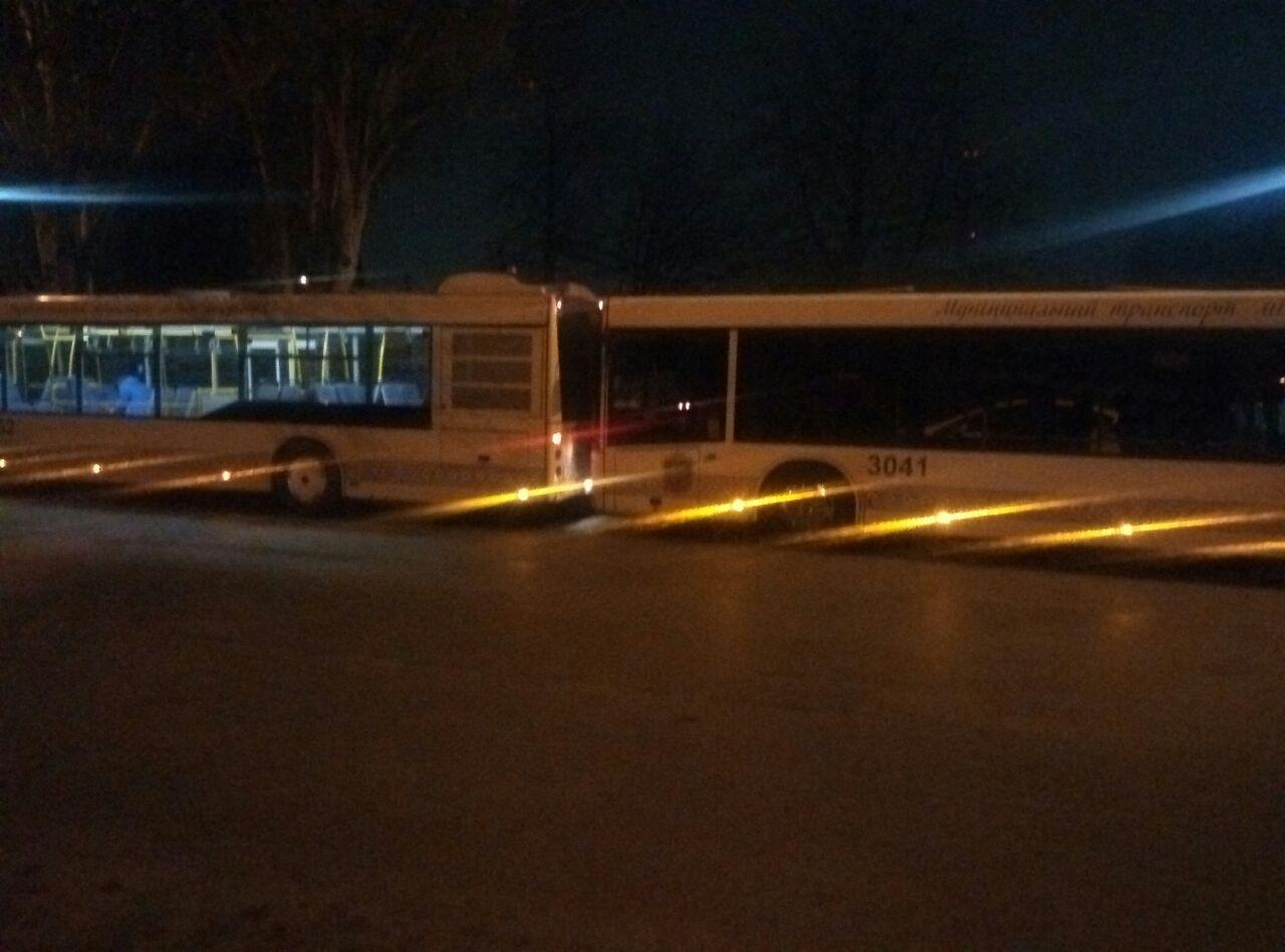 В Запорожье столкнулись 2 пассажирских автобуса (Фото)