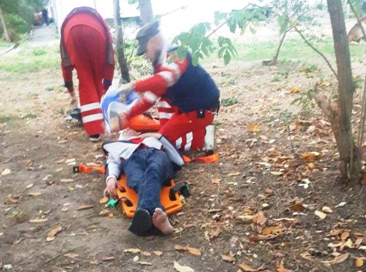 В Запорожье мужчина провалился под землю (Фото)