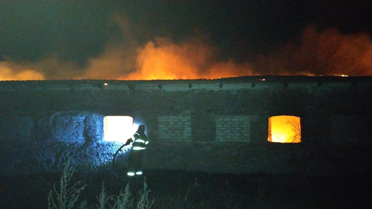 В Запорожской области горело крупное здание (Фото)