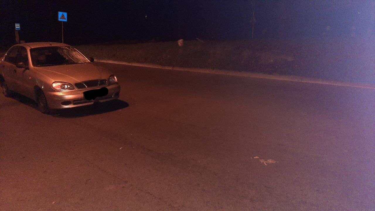 В Запорожье мужчина угодил под колеса автомобиля (Фото)