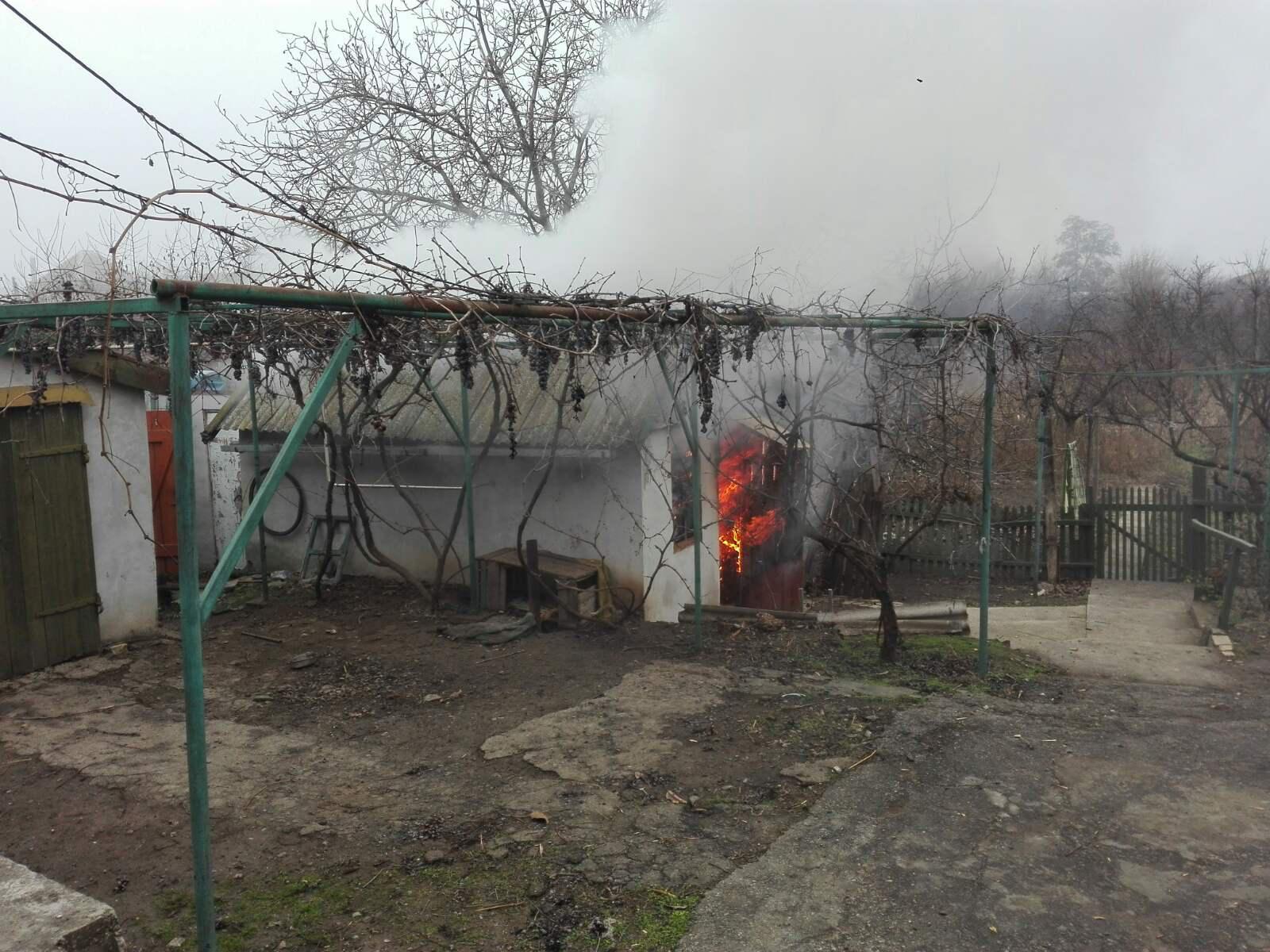 В Запорожской области горел дом (фото)