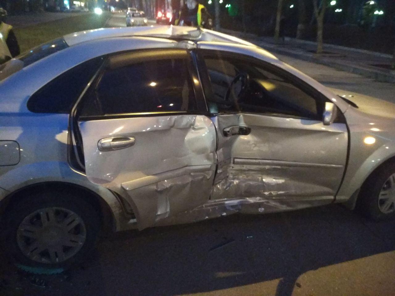 В Запорожье дорогая иномарка попала в ДТП. Появились подробности