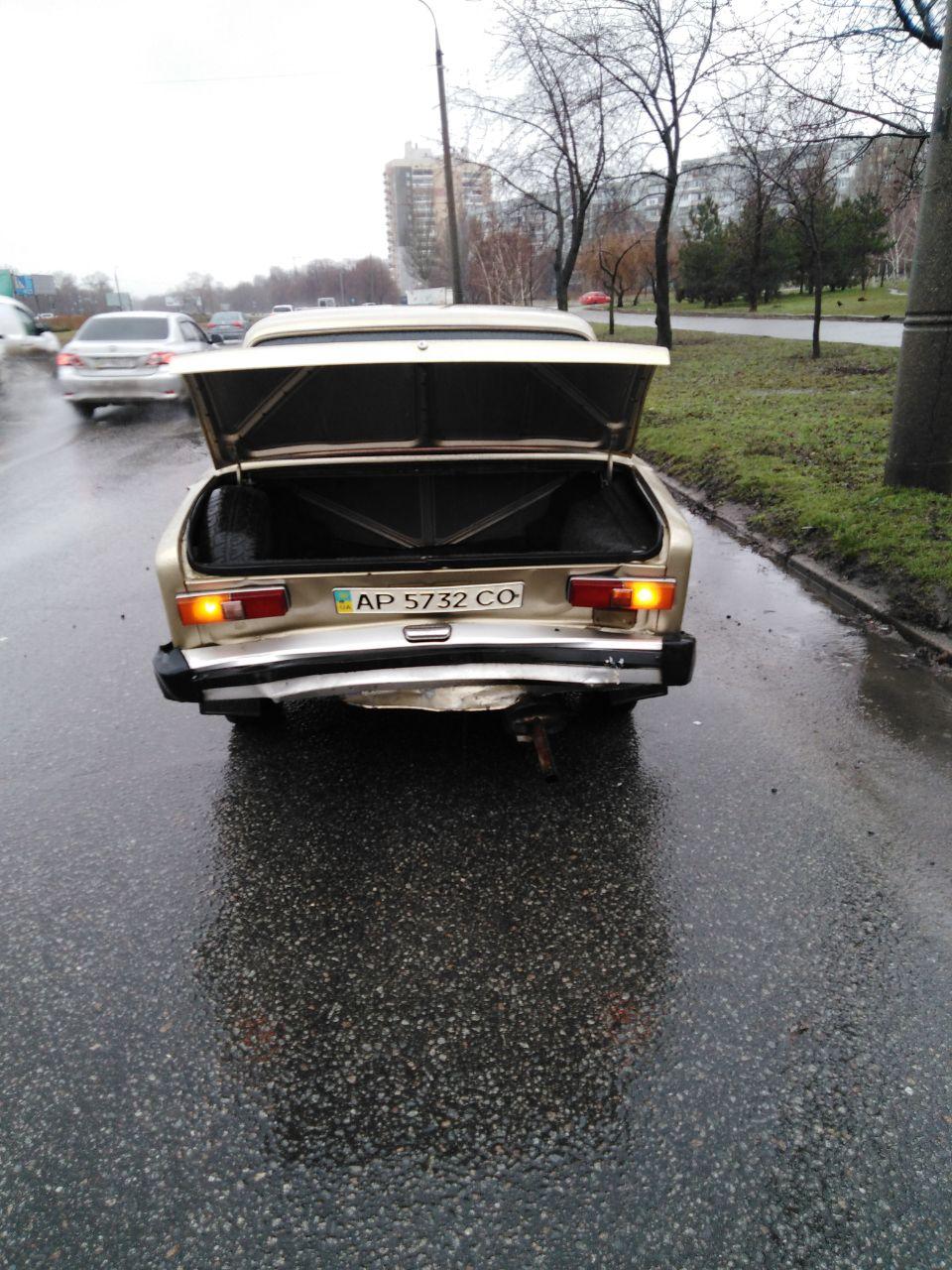 В центре Запорожья две легковушки не смогли поделить дорогу (Фото)