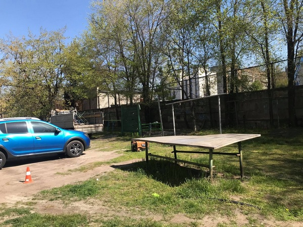 В Запорожье демонтируют аварийные детские и спортивные площадки