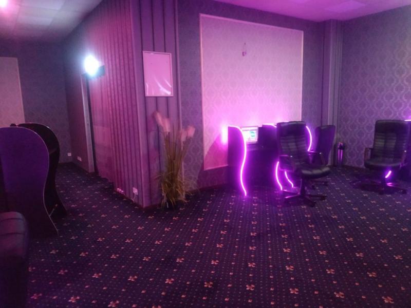 В Запорожье закрыли «элитный» зал игровых автоматов