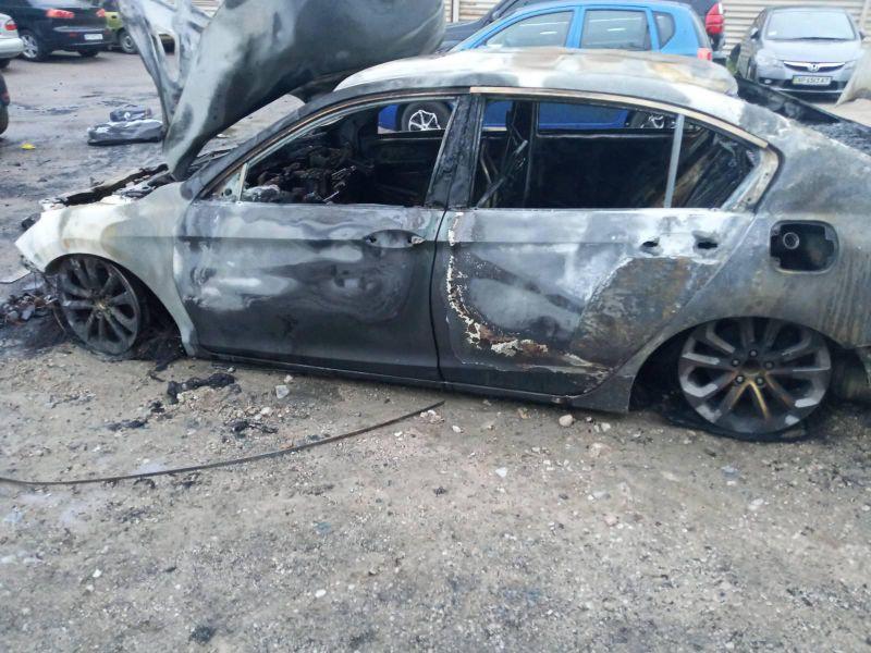 В Запорожье сожгли авто полицейского
