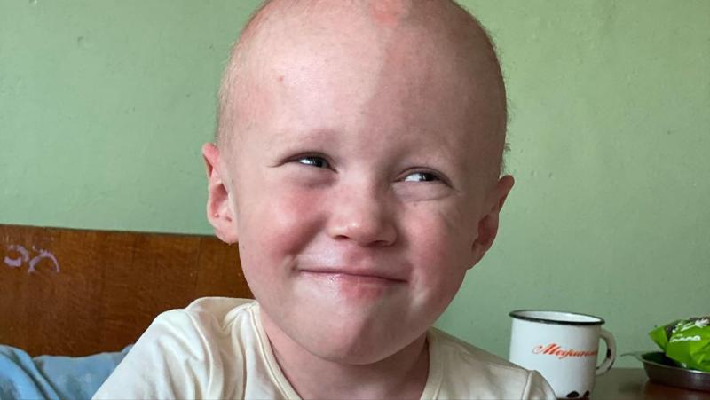 Тяжелое дыхание, проблема с кожей и атрофия мышц: в запорожскую больницу поступил малыш, которого изъяли у мамы