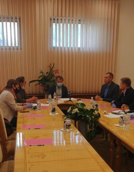 Экологический десант Олеси Крамаренко высадился на Абразивном комбинате